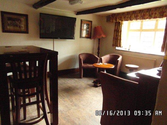 Robin Hood Inn : Comfy Chairs,Quiet Area