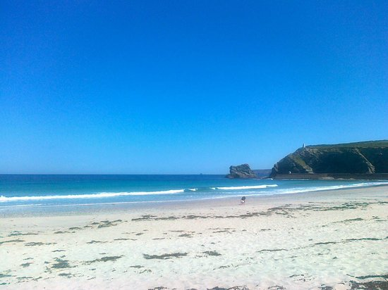 Bassets Acre Holiday Apartments: Portreath Beach