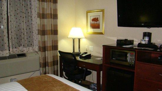 Best Western Plus Arena Hotel: skrivbord