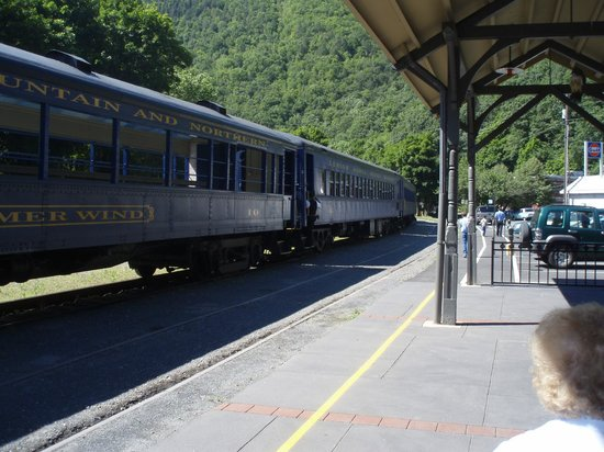Lehigh Gorge Scenic Railway : Jim Thorpe Railroad