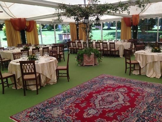 Ottavi Country House: la sala attrezzata per i banchetti