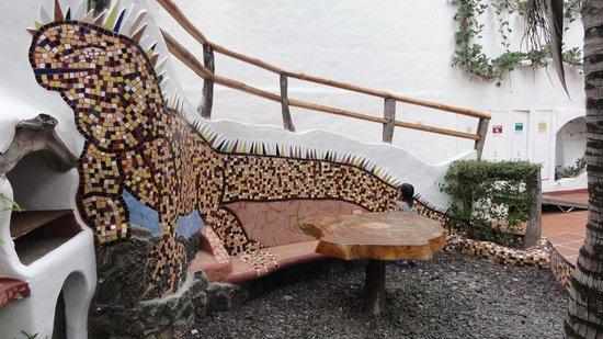 Hotel Mainao: Iguana tiles decoration