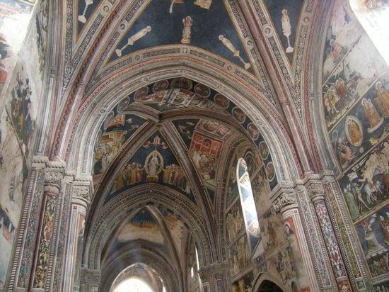 Galatina, Italia: Affreschi interni