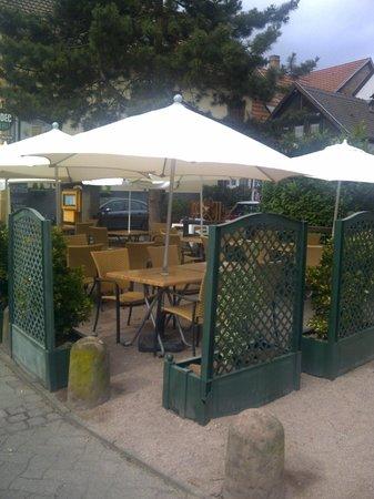 Restaurant S'Kastele: terrasse d'ete