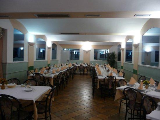 Rivotorto, Italia: Sala da pranzo