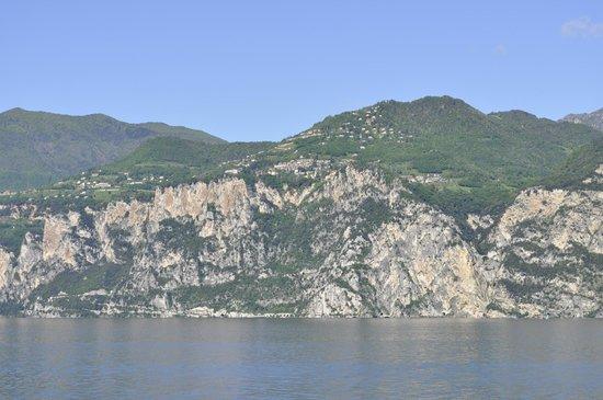 Malcesine Ferry: Lake views