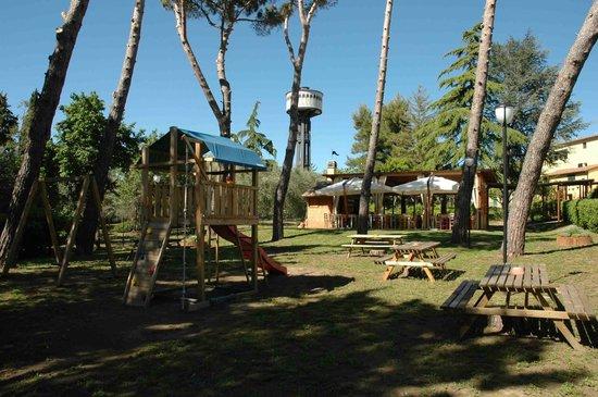 Pizzeria L'Abbuffino: giardino