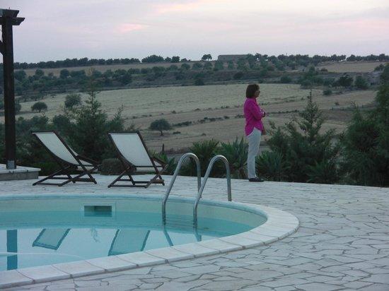 B&B Zammarra: Vista dalla piscina
