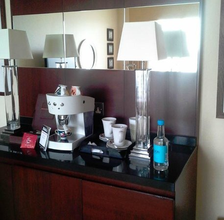 The Chelsea Harbour Hotel: high-quality espresso machine