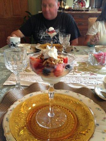 Coppersmith Inn Bed & Breakfast: 1st Course of Breakfast
