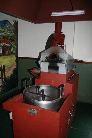 Finca Rosa Blanca Coffee Plantation & Inn: roasting process