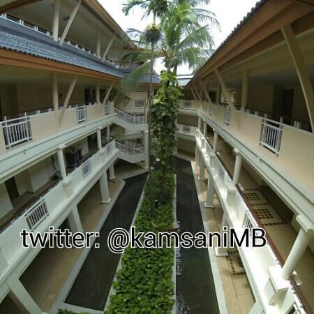 Outrigger Laguna Phuket Beach Resort: Hotel rooms from outside