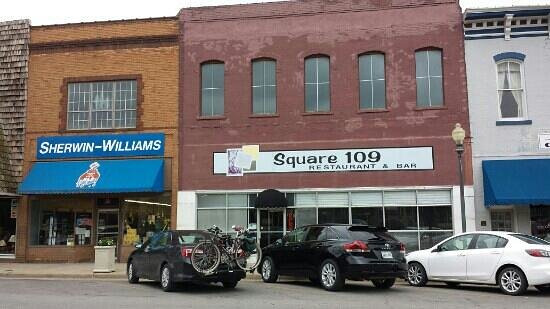 Best Breakfast In Town Review Of Square 109 Restaurant Bar Clinton Mo Tripadvisor