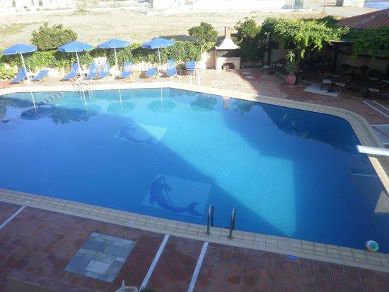 Christina Beach Hotel: Piscine de l'hôtel