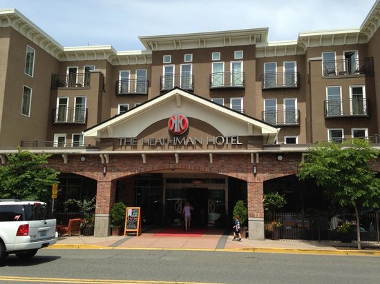 The Heathman Hotel Kirkland: Front of Hotel