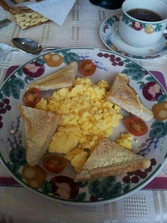 Lurraga House Bed &  Breakfast : Awesome Breakfast!