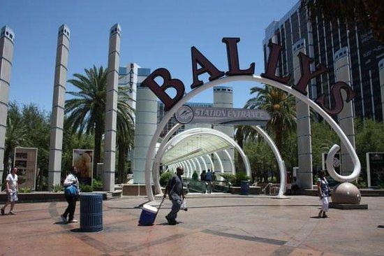 Bally's Las Vegas: Voorzijde