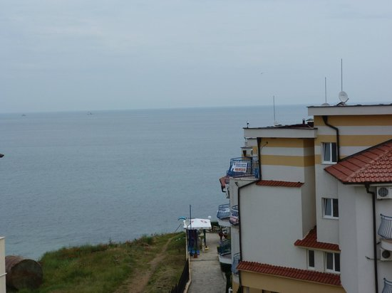 Selena Beach Hotel: аппартаменты перед отелем