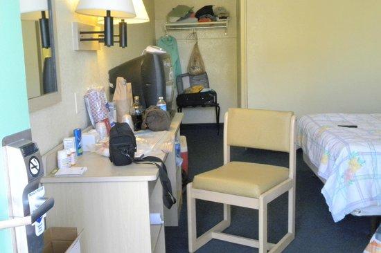 Motel 6 Cocoa Beach: room