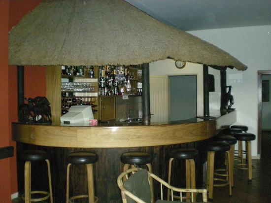 Auas Safari Lodge: Story telling at night, we gather here....