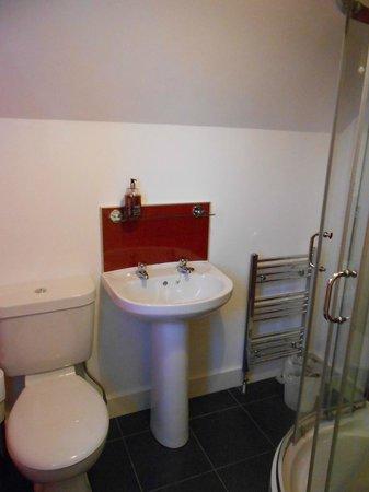 Beinn Edra House Bed & Breakfast: bathroom