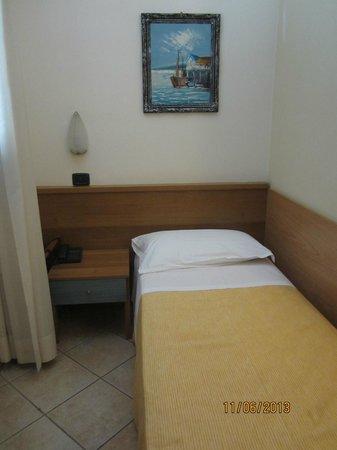 Sara Hotel: A single room in Hotel Sara
