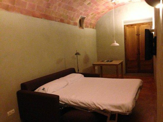 Hotel del Teatre: Salon comedor (sofa cama)