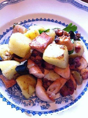 Pazzo Taverna and Pizzeria: Octopus