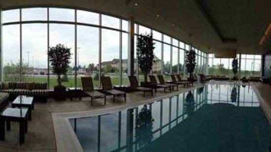 Akwesasne Mohawk Casino Resort: pool