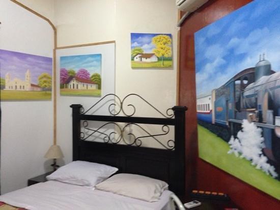 Hotel Maison Suisse: habitación