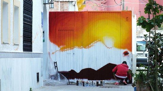 Nomadas hostel: Street art