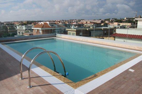 Hotel L'Approdo: The lovely new roof-top pool