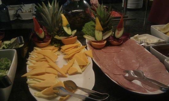 Aparthotel Fontanellas Playa: Frukost pålägg