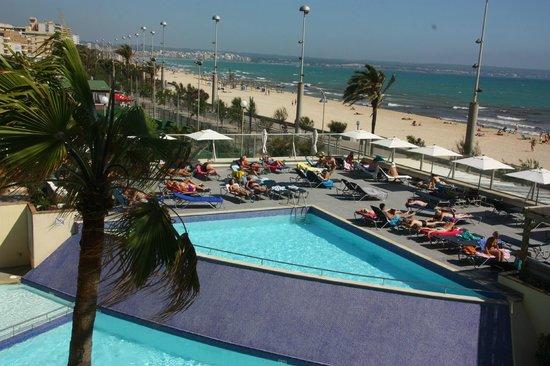 Aparthotel Fontanellas Playa : Pool området