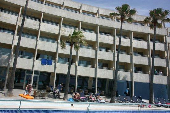 Aparthotel Fontanellas Playa : Lägenheterna som vätter ut mot havet