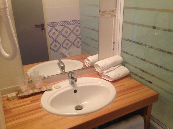 Hotel du Golf : salle de bains