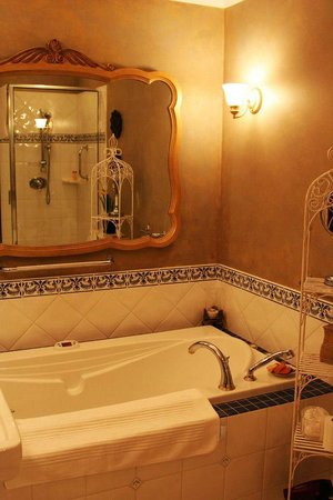 Villa Marco Polo  Inn : Bathroom