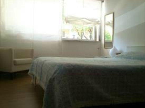 Supadupa Surfhouse: The room