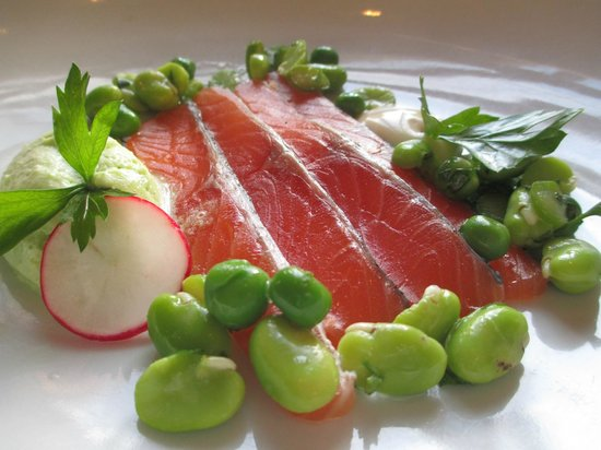 The Brehon: Beautifully presented cured salmon