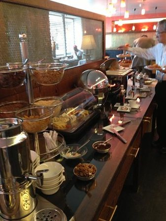 Angleterre & Residence Hotel: Breakfast spread