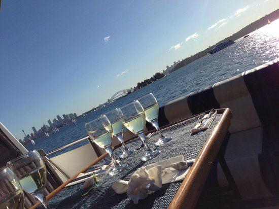 Sea Sydney Cruises: Chilled wine and a view to die for.