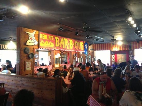 Famous Dave's: BBQ