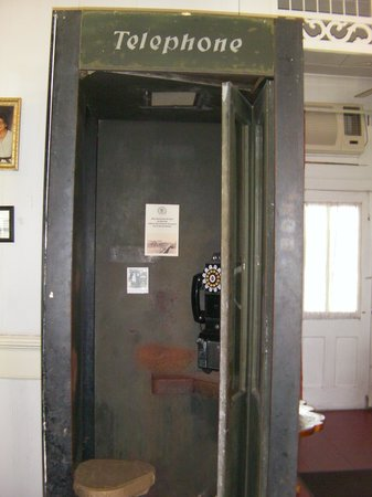Luther Hotel : Antique phone booth