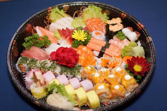 Sushi Kui: To try our special rolls, visit us!