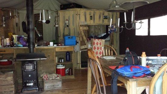 Elsey, Kalifornien: The tent interior