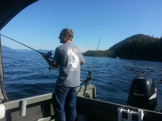 Chinook Shores Lodge: Boat Rentals for Self Guided Fishing Trips