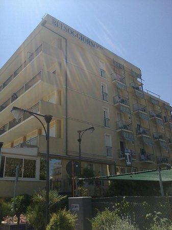 l\'Hotel Belsoggiorno visto dalla passeggiata - Foto di Hotel ...
