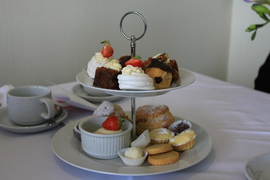 Grovefield House: Scone & Cake Selection