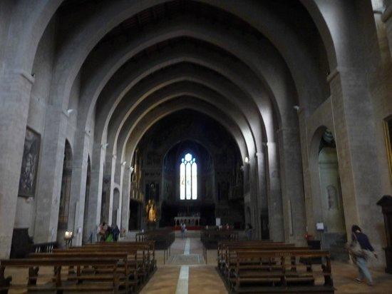 Cathedral (Duomo di Gubbio): Interno