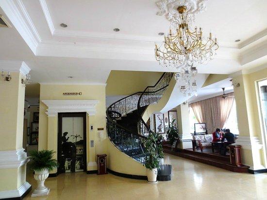 Hotel Saigon Morin: Elegant lobby